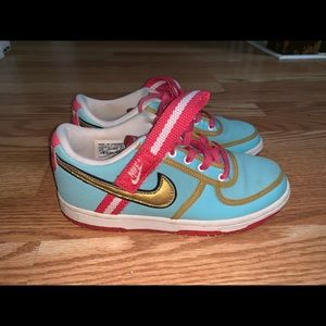 Nike multicolor low top strap sneakers